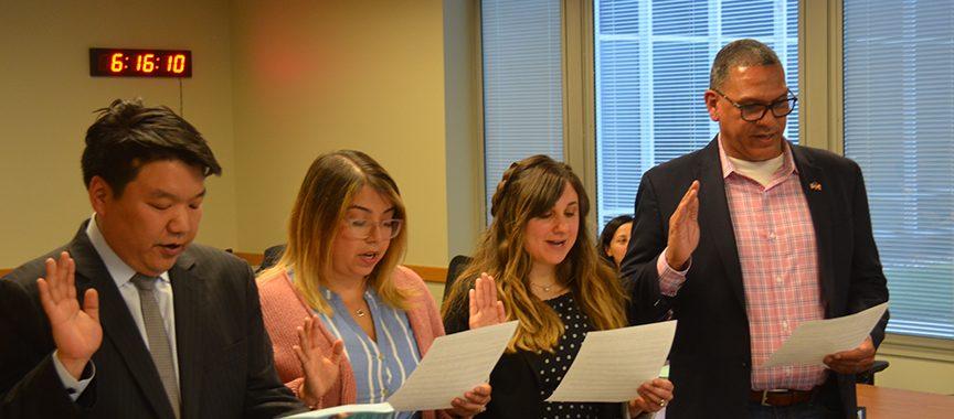 D219 board members being sworn in on 4-29-19